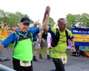 Auch 2018 wurde das Ziel des Supermarathons beim Rennsteiglauf erreicht, hier auf den letzten Metern mit Uwe Deinlein