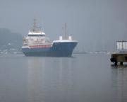 Kurztripp nach Wismar - Beeindruckend, wenn die großen Schiffe die neuen Hafenbereiche ansteuern.