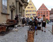 Mittelalterliches Handwerk, vorgestellt auf dem Marktplatz von Rothenburg