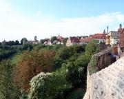 Blick von der Stadtmauer auf einen Teil der Kulisse Rothenburgs
