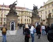 Jahreswechsel 2015 - 2016 in Prag - Blick auf den Haupteingang der Prager Burg.