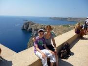 Rhodos - auf der Akropolis Lindos mit Blick auf die Liebesbucht