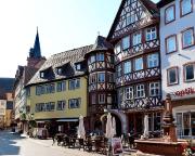 Teilansicht des Marktplatzes mit Fachwerkhäusern aus dem 16. JH