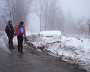 Oben Schneesturm, unten Matsch – Skitragen in Harrachov