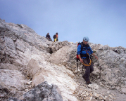 Alpspitz-Ferrata - Beginn des gerölligen Abstiegs über den Ostgrat