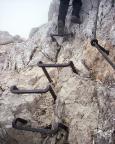 Alpspitz-Ferrata - sinnloses Foto? Nein, Beispiel für einen teils sinnlosen Eisenverbau!