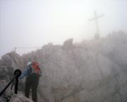 Alpspitz-Ferrata - der Steig ist so eindeutig, dass selbst im Nebel zwingend der Gipfel gefunden wird