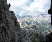 Schattenspiele in einer senkrechten Passage des Klettersteiges - schön, oder?