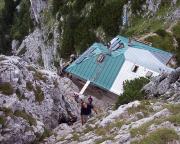 Beim Abstieg - dieses Bild vermittelt einen Eindruck von der Steilheit und der Hüttennähe.