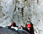 In der gut zu kletternden und teilweise fast entspannten Rampe