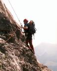 Steffen im steilen sehr ausgesetzten Anstieg nach den Biwaklöchern