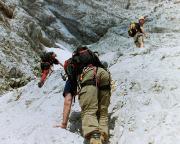 2004 - in der plötzlich recht merkwürdigen Gipfelschlucht ...