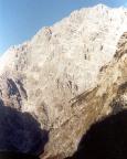 Berchtesgardener Weg -  er zieht durch die gewaltige Ostwand des Watzmann