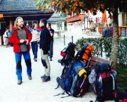 Gepäck wie für eine Himalaya-Expedition, eindeutig zu viel und zu schwer