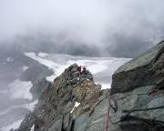 Am Gipfelaufschwung, abermals eine recht spannende aber mit einem Drahtseil bestens gesicherte Passage.