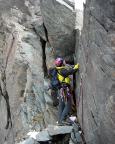 Die aus unserer Sicht zweifelsohne schwerste Stelle ist die Hangelplatte, die über eine senkrechte Wandstufe erst einmal erreicht sein will.