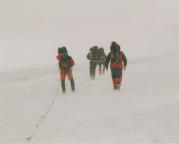 Abstieg im Schneesturm von der Hütte zu Kaiser- Franz-Josefs-Höhe