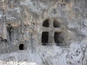 Die in Fels gehauene Kapellen-Grotte an der 12-Apostel-Hütte