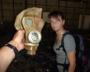 Christiane, dieser kleine Feigling, wollte einfach die Gasmaske nicht aufsetzen