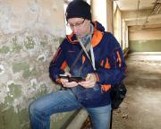 LP-Geocaching in Forst - Ja, in alten Gebäuden wird man beim Geocaching schmutzig - für Nachahmer - das wäre hier nicht nötig gewesen, zu blöd angestellt ;)