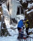 Das Eiskletterdebüt beginnt mit der Suche nach Eisfällen - hier am Beutenfall
