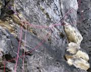 Noch eine Seilschaft dazu und das Chaos ist perfekt - und die Sicherheit ist hin - für jede Seilschaft