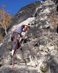 Ralf beginnt den Vorstieg des Alten Weges, IV,  am Bergfex