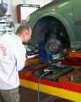 Gucken hilft da nicht weiter - die Bremsen sind und bleiben defekt!