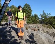 Zustieg zur Sandlochhöhle auf dem schmalen Gipfelgrat oberhalb des Großen Doms in den Affensteinen