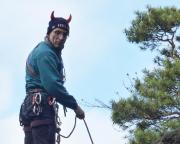 Kein Räuber - ein Teufel auf dem Gipfel des Räuberhöhlenturms