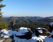 An der Goldsteinaussicht,  Volker mit einem der schönsten Blicke, die es im Elbsandsteingebirge gibt - auf den Großen Zschand