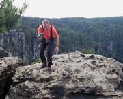 Tour 06-2014 - Auf dem Gipfel des Honigsteins - einsammeln des Gipfelbuches.