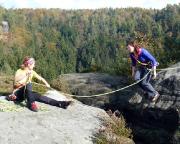 Kletterküken Almuth zeigt Mut - und lässt sich fallen!