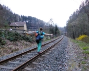 Nach der 25-m-Abseile führt der Rückweg entlang der Bahnstrecke Sebnitz – Bad Schandau
