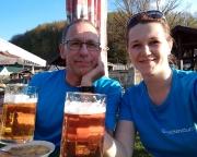 Tagesausklang bei Erbsensuppe und Gerstengetränk am Elbufer in Obervogelgesang