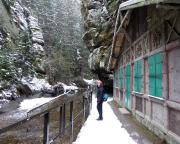 Die Bootsstation Obere Schleuse erreicht man, nun immer dem Lauf der Kirnitzsch folgend, nach ca. 4 km