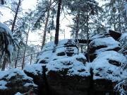 Immer wieder locken Aussichtspunkte, die bei Schnee teilweise etwas heikel sind