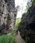 Blick zurück in die beeindruckende naturgeschaffene Felsengasse