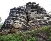 Bergfreundschaftsstein, Blick in die rechte Schartenseite