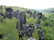 01 - Blick vom Großen Herkulesstein in die Felsenwelt des Bielatals