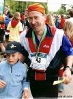 Rennsteiglauf 2005, mit meinem Sohn Max im Ziel in Schmiedefeld