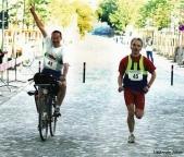 Run and Bike Neuzelle 2003, Zieleinlauf mit Dr. Hans-Torsten Krüger