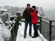 Auch das ist Wintersport: wandern im Elbi, hier an der Bastei. Foto: Volker Roßberg